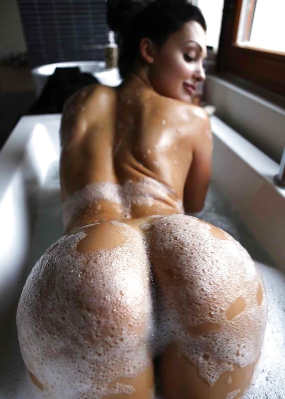 Free naked bubble butt asses