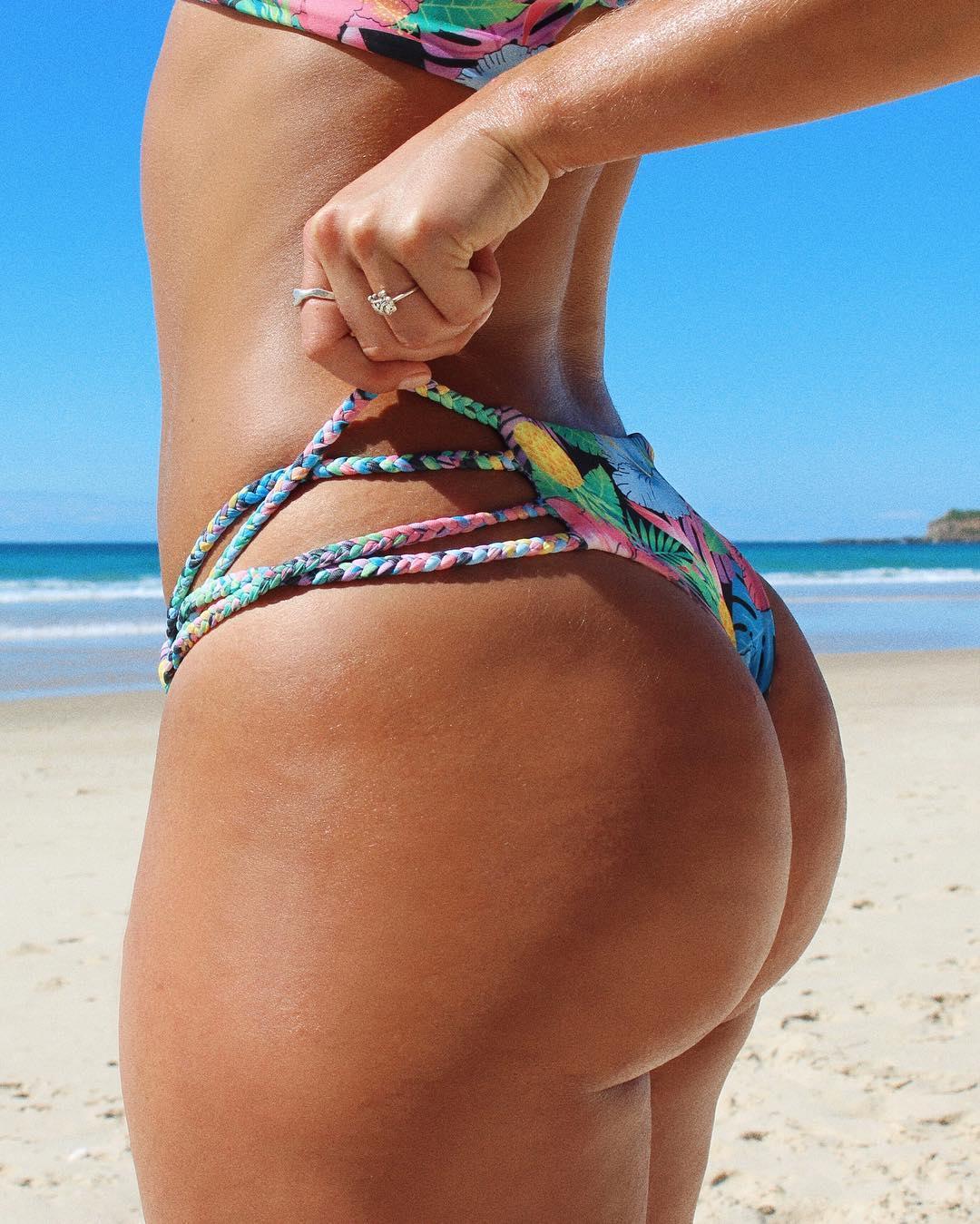 private mature milf in bikini