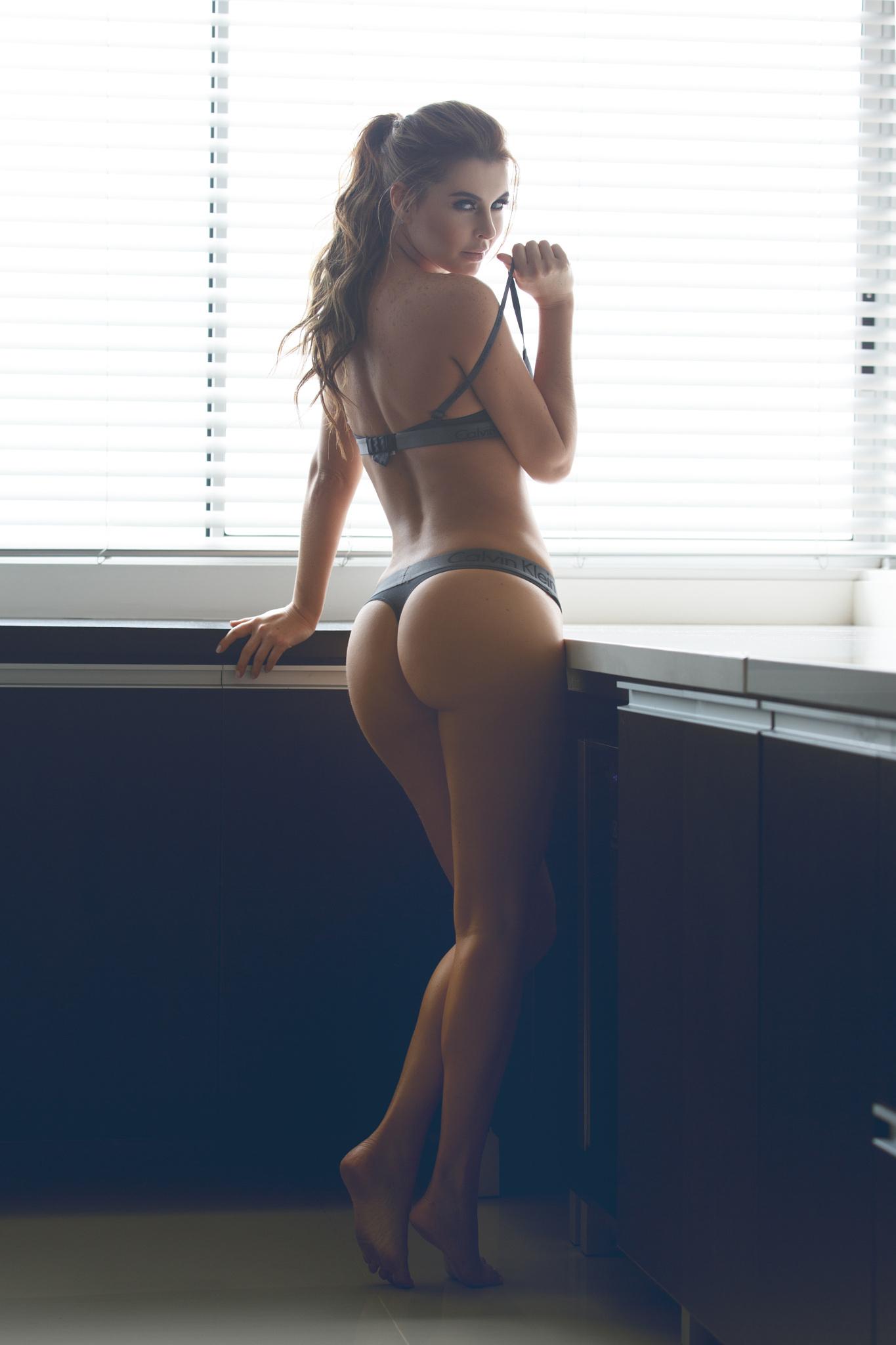 Женщины с красивыми попками